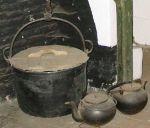 Foto van een brijpot in openluchtmuseum Bokrijk.